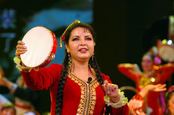 新疆维吾尔族女歌手巴哈尔古丽【转帖收藏】-无知学生音乐